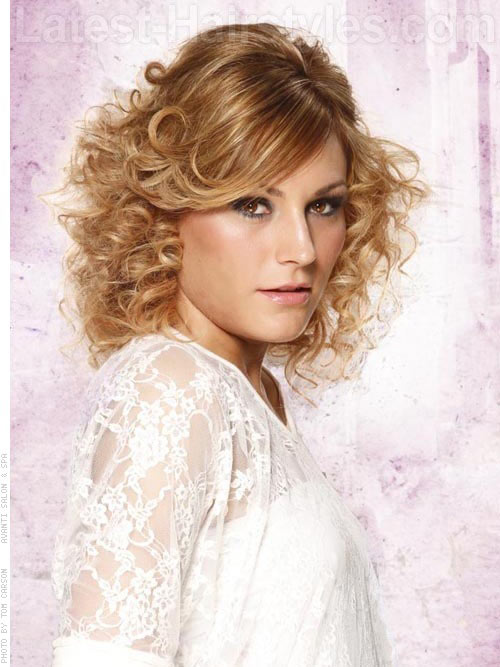 Side Parted Short Beachy Curled Layered Hairstyle