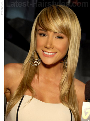Cute long and blonde hairstyle with bangs