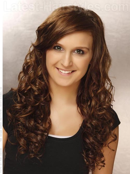 Cute Hairstyles For Curly Hair With Side Bangs : The top long hairstyles for oval faces