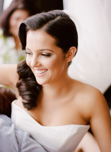 wedding hairstyle for backless dress