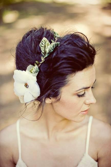 boho wedding hairstyle for your wedding dress