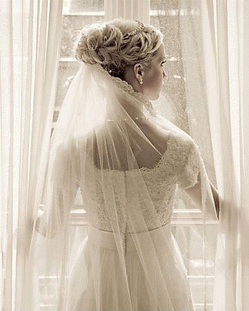 Classic Veil Bridal Hairstyle