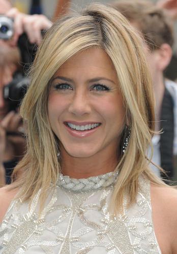 Jennifer aniston medium length hairstyle