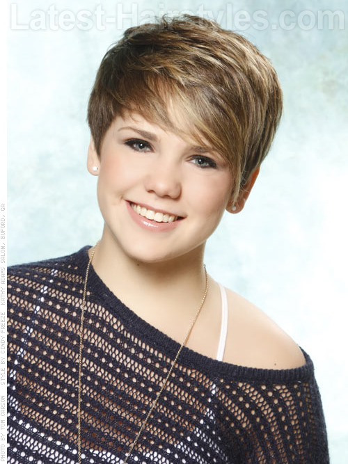 A short haircut with cute blonde color