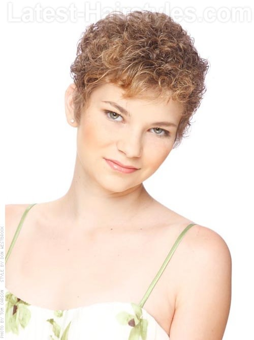 Vintage Curls Sweet Light Brown Natural Style - Sculpted Over Ears