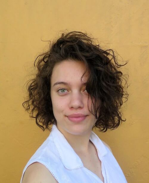 25 Cute & Easy Hairstyles for Short Curly Hair