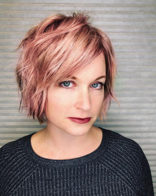 34 Most Flattering Short Hairstyles For Round Faces