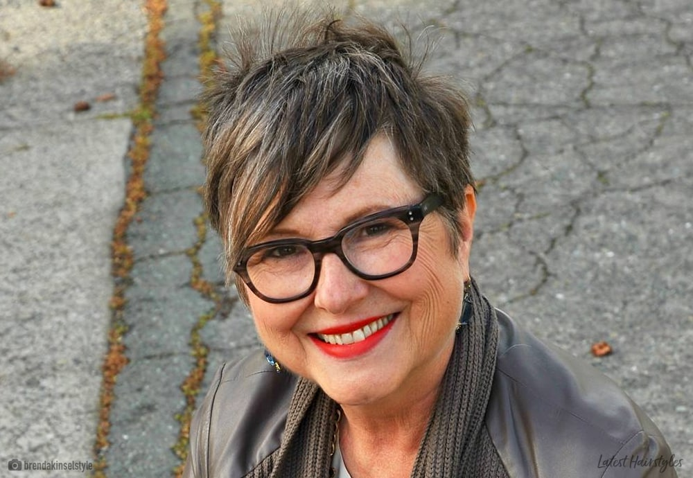 16 Chic Short Hairstyles For Over 50 With Glasses